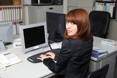 女子社員1 社長と社員の関係は事業の今後に大きな影響を及ぼします。特に女性社員との... 女性社